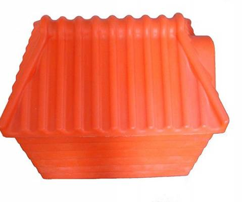 Plastic Dog House 5